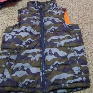 Old Navy Jackets & Coats - Puffer vest Fleece inside Rainproof Xs/5 boys